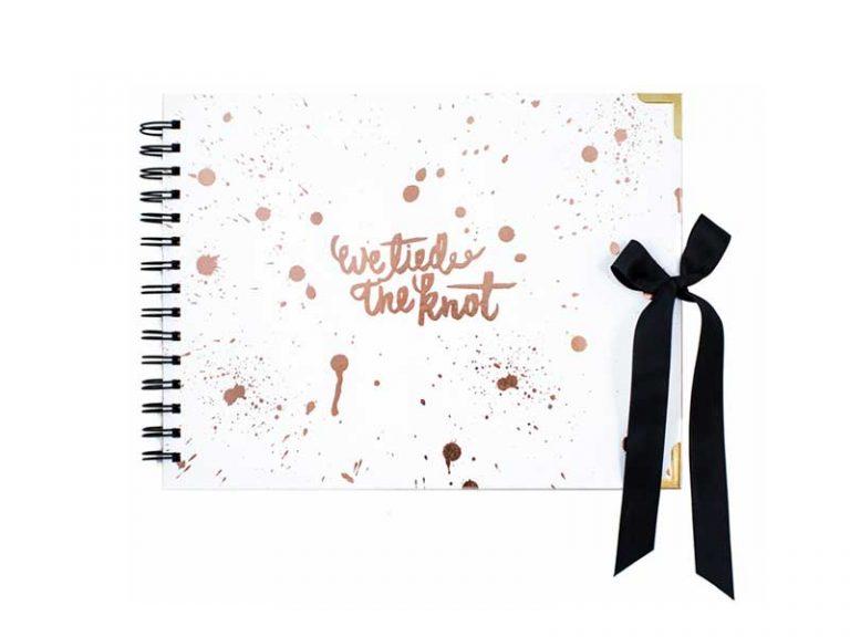 ozphotobooths-guestbook-paintsplatter-wetiedtheknot