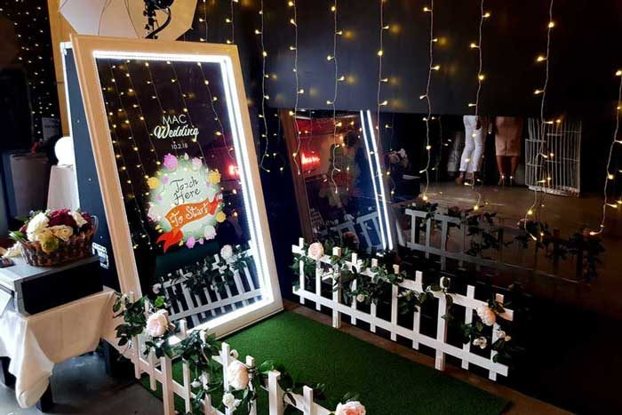 Oz Photo Booths-Mirror Booth and Photo Booth Hire in Melbourne - Photobooth for Weddings and Other Events-MirrorBooth